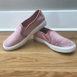 LOFT Shoes - Loft Slip-on Velvet Sneaker Shoe